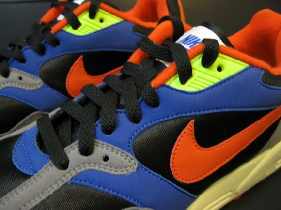 nike-air-base-ii-new-colorway-3