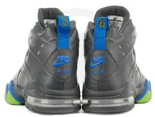 nike-air-max-barkley-dark-grey-photo-blue-action-green-4