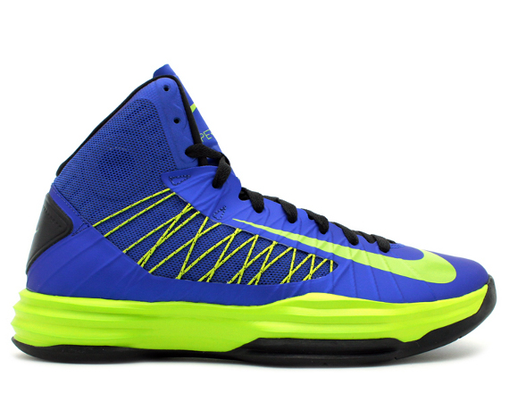 nike-hyperdunk-game-royal-atomic-green-black-1