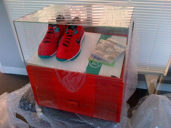 nike-lebron-9-low-liverpool-fifa-13-vip-kit-1-of-1-giveaway