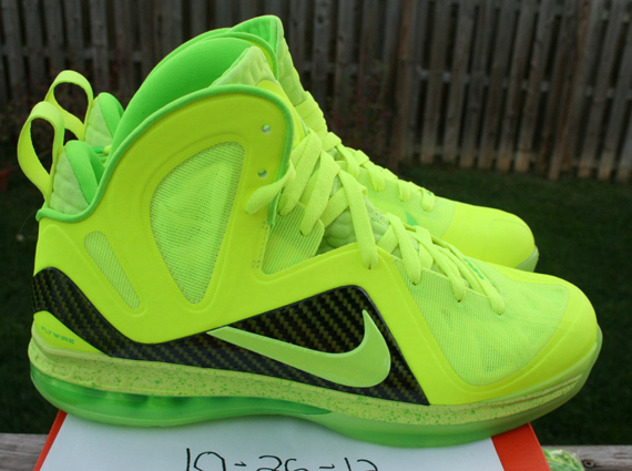 nike-lebron-9-p.s.-elite-volt-dunkman-available-on-ebay