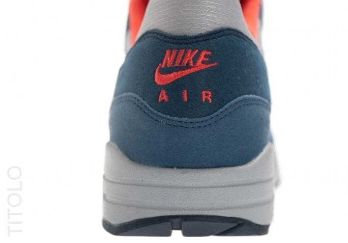 nike-wmns-air-max-1-wolf-grey-sunburst-utility-blue-4