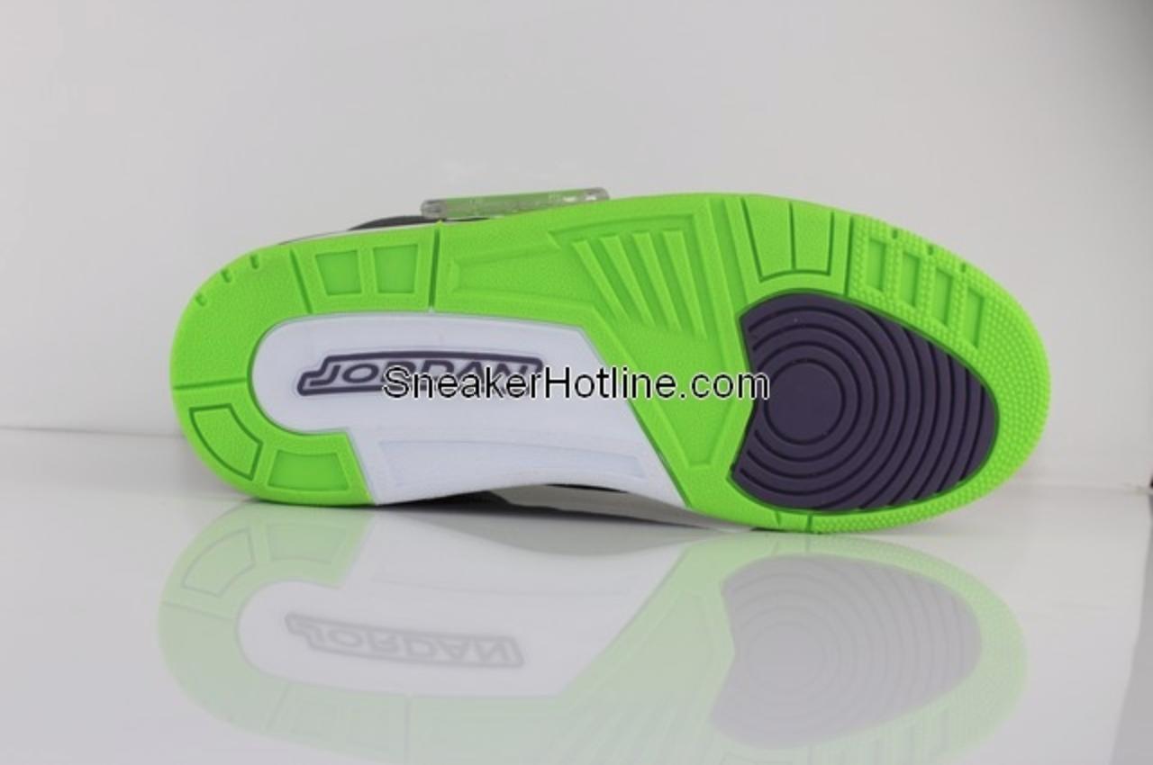 Air Jordan III (3) 'Black/Green-Purple' - New Images