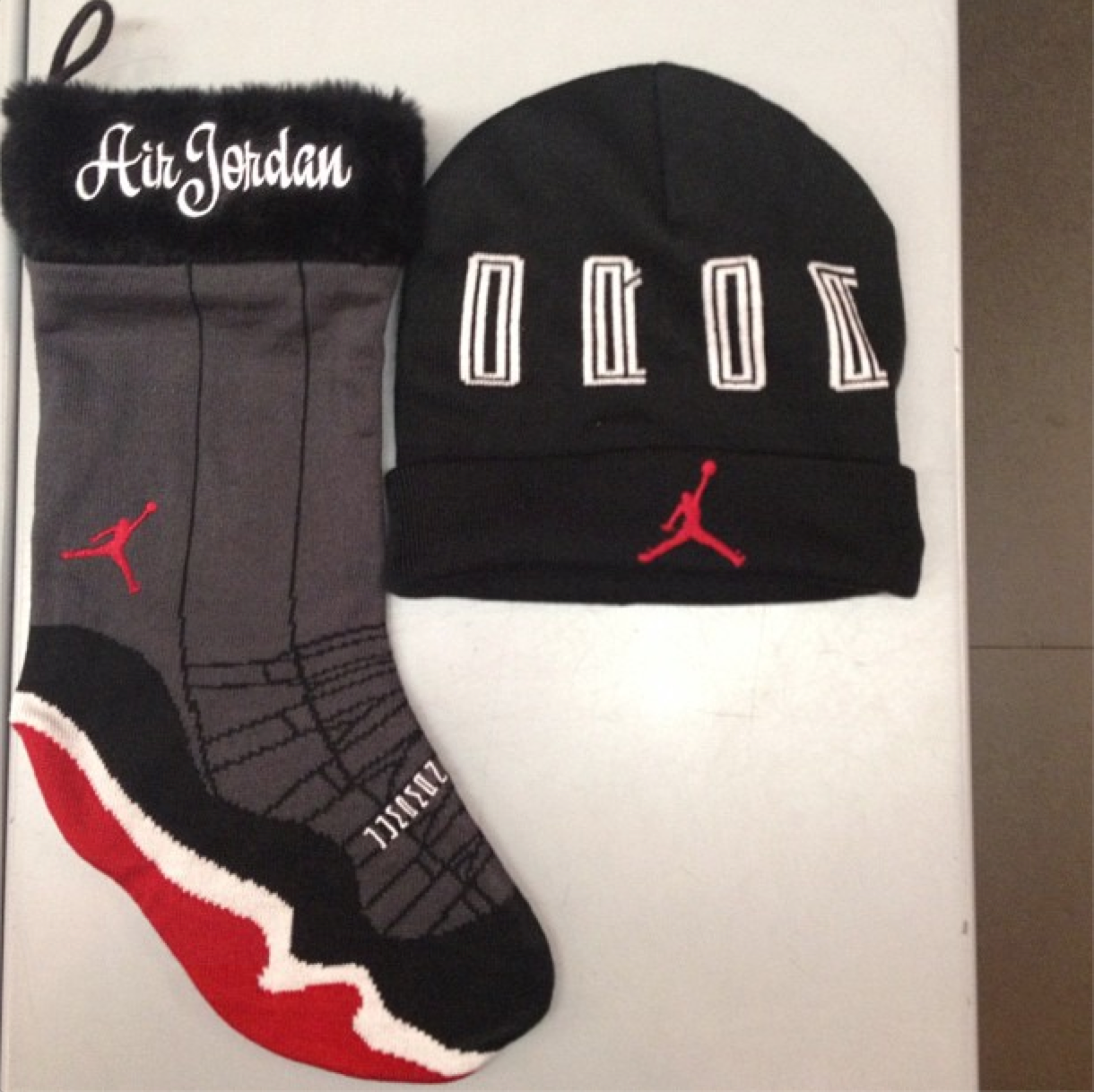 392b4d7fa2b3 Air Jordan XI (11)  Bred  Christmas Stocking