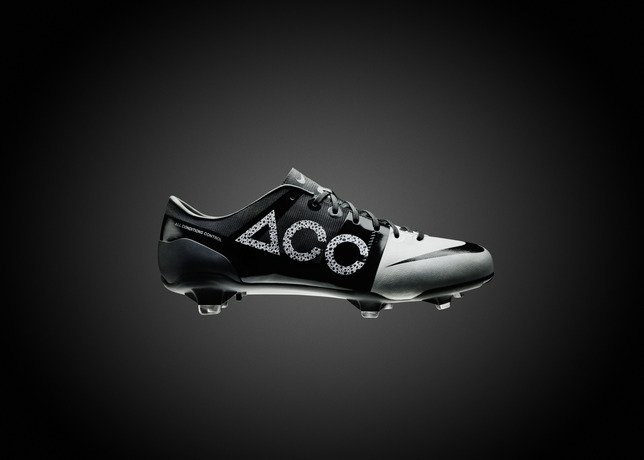 Nike GS 2 Boot Delivers Seamless Ball Control, Low Environmental Impact