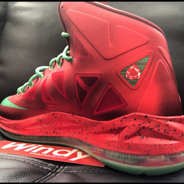 Nike LeBron X (10) 'Christmas' - New Images