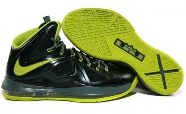 Release Reminder: Nike LeBron X (10) 'Dunkman'