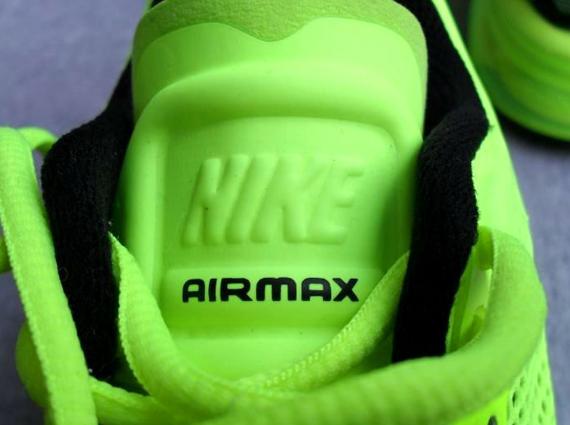 nike-air-max-2013-volt-1