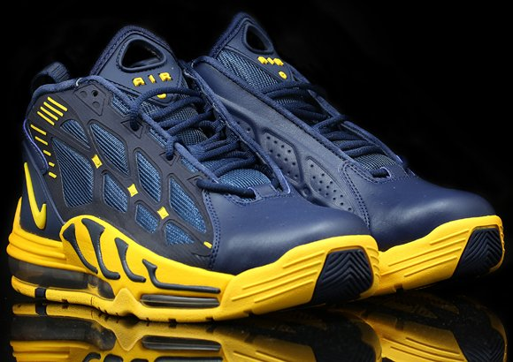 nike-air-pillar-michigan-available-saturday-awol-1