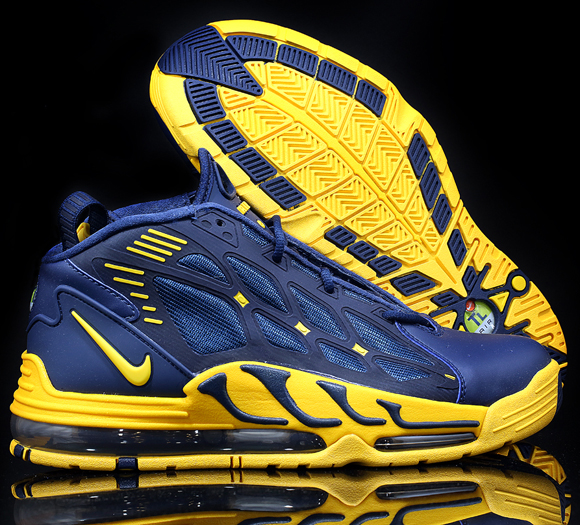 nike-air-pillar-michigan-available-saturday-awol-2