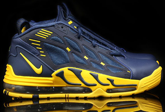 nike-air-pillar-michigan-available-saturday-awol