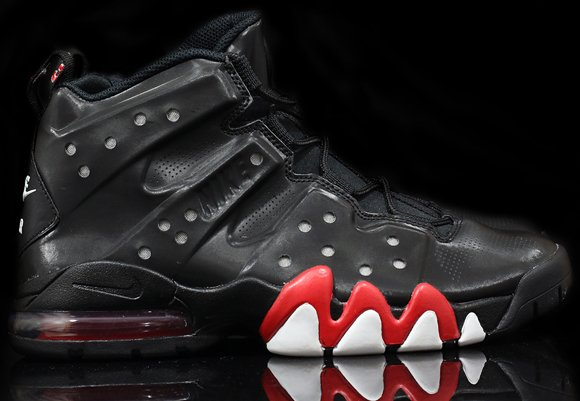 nike-barkley-black-red