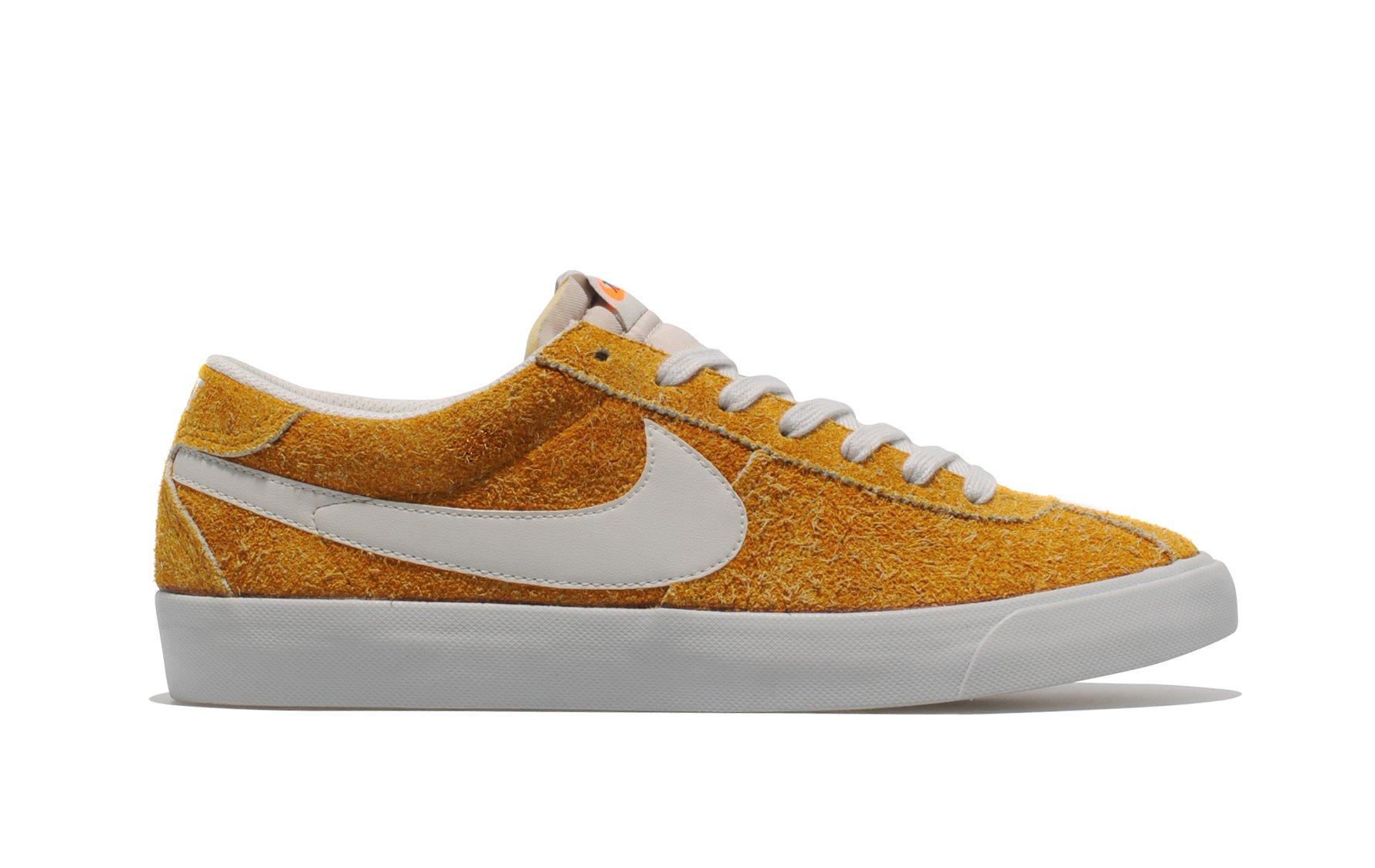 Release Reminder: Nike Bruin VNTG 'Dark Gold Leaf' size? Exclusive