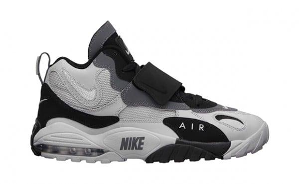 3c7ea650eb Release Reminder: Nike Air Max Speed Turf 'Raiders' | SneakerFiles