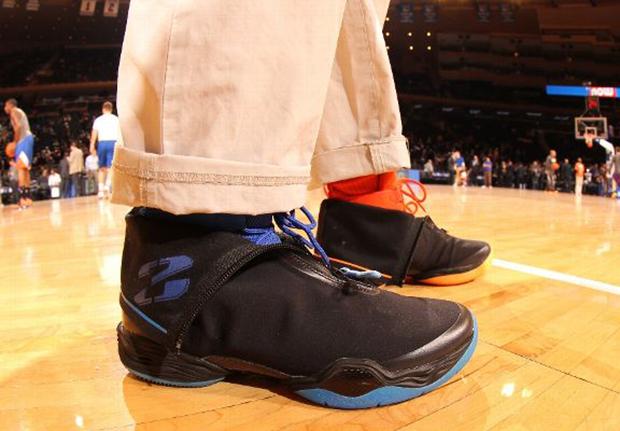 Spike Lee's Mismatched 'Knicks' Air Jordan XX8 (28)