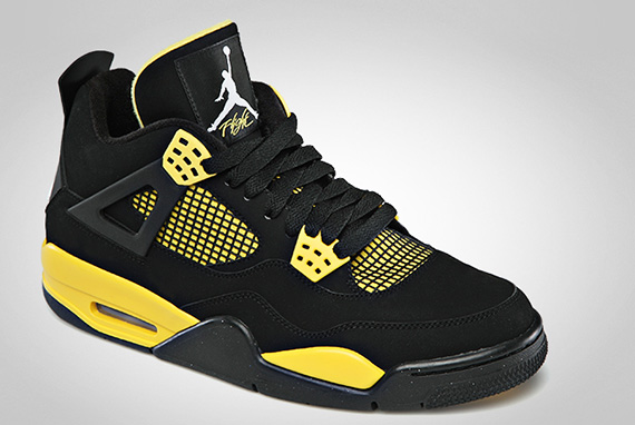 air-jordan-iv-4-thunder-official-images-1