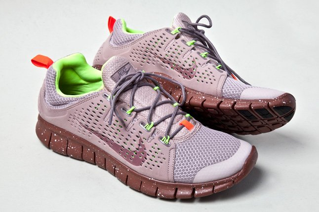 nike-free-powerlines-ii-diffused-taupe-3