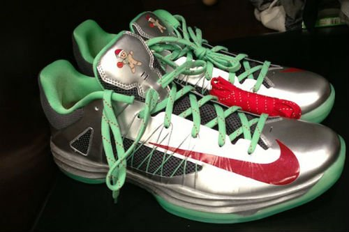 nike-hyperdunk-2012-low-christmas-1