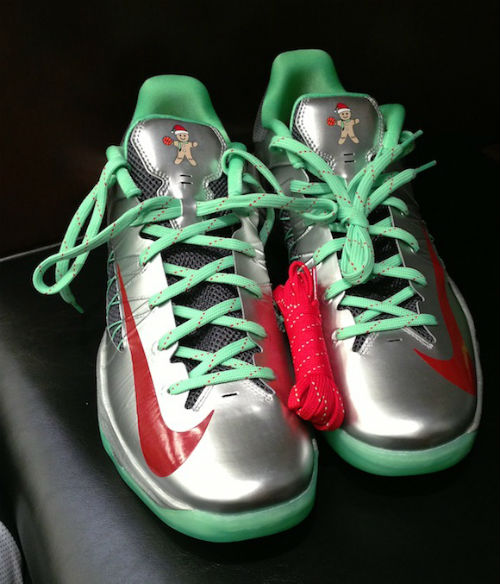 nike-hyperdunk-2012-low-christmas-2