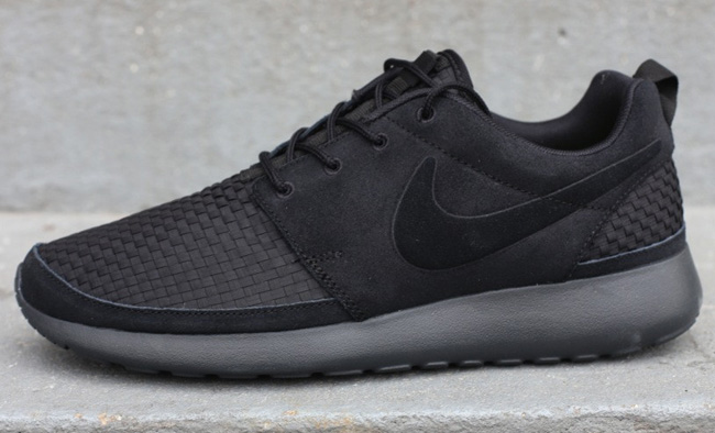 nike-roshe-run-woven-black-anthracite-volt-1