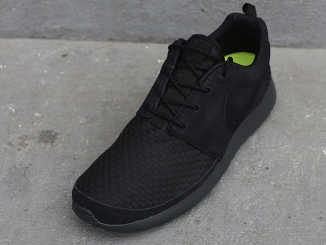 nike-roshe-run-woven-black-anthracite-volt-4
