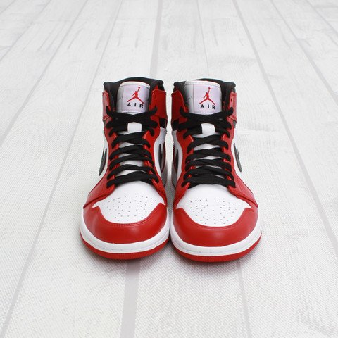 Air Jordan 1 'Chicago' at Concepts2