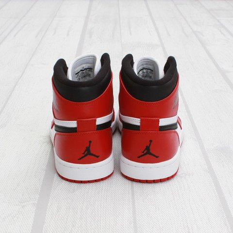 Air Jordan 1 'Chicago' at Concepts4