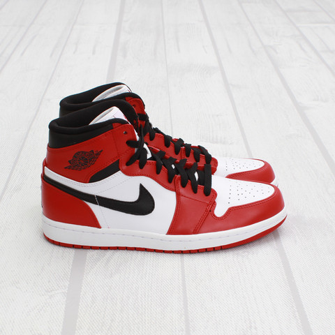 Air Jordan 1 'Chicago' at Concepts5