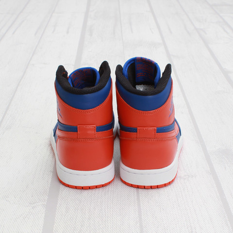 Air Jordan 1 High OG 'Knicks' at Concepts4