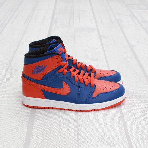 Air Jordan 1 High OG 'Knicks' at Concepts5