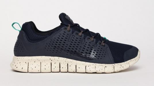 Nike Free Powerlines+ II 'Obsidian'1