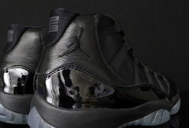air-jordan-xi-11-blackout-possible-black-friday-release-2