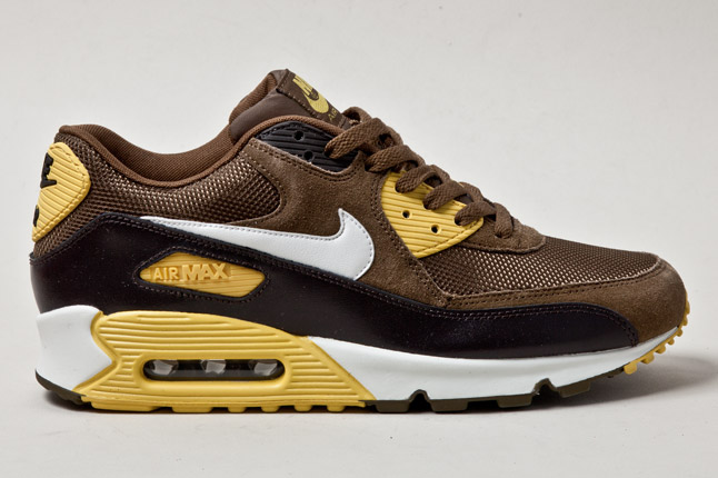 nike-air-max-90-mighty-hawks-1