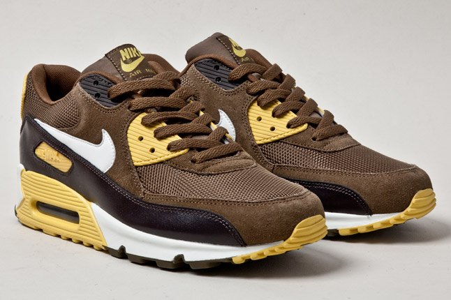 nike-air-max-90-mighty-hawks-2