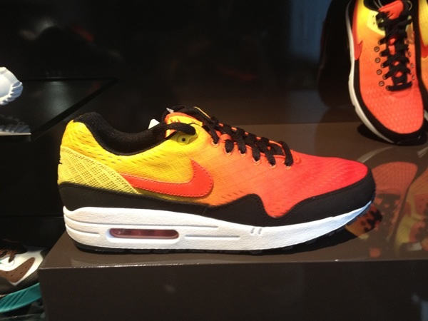 nike-air-max-em-sunrise-pack-2