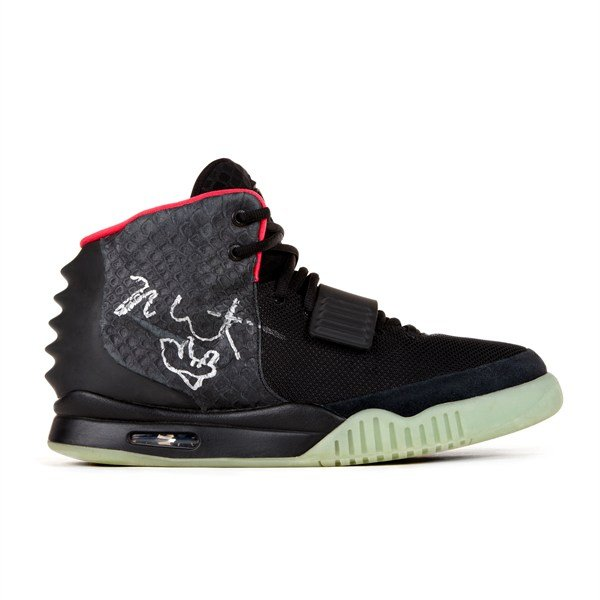 nike-air-yeezy-2-signed-and-worn-by-kanye-west-up-for-auction-1