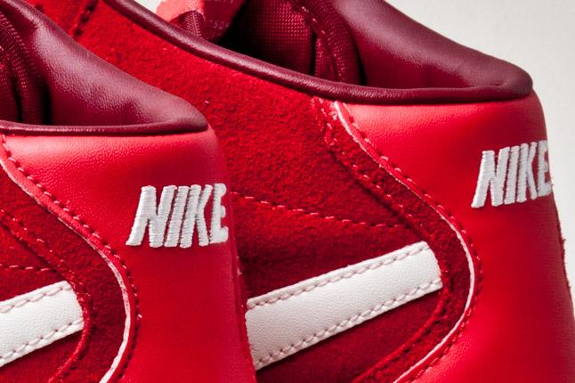 nike-bruin-mid-hyper-red-4
