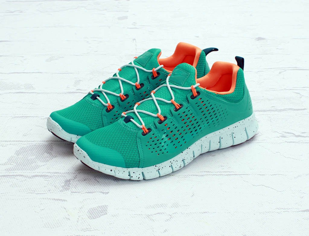 nike-free-powerlines+-ii-atmoic-teal-available-now-1