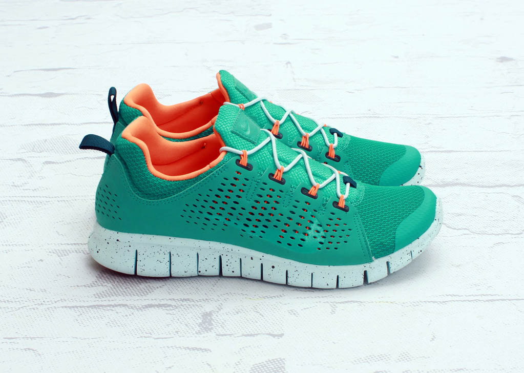 nike-free-powerlines+-ii-atmoic-teal-available-now-2