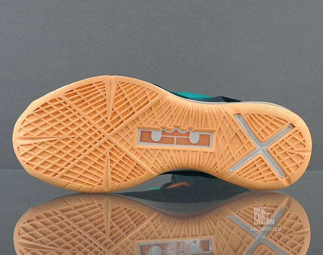 nike-lebron-x-10-setting-new-images-available-early-8