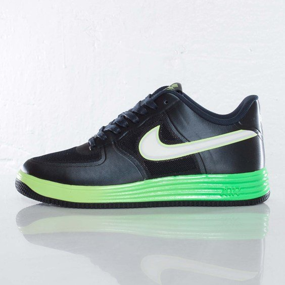 nike-lunar-force-1-fuse-nrg-obsidian-metallic-summit-white-volt-2