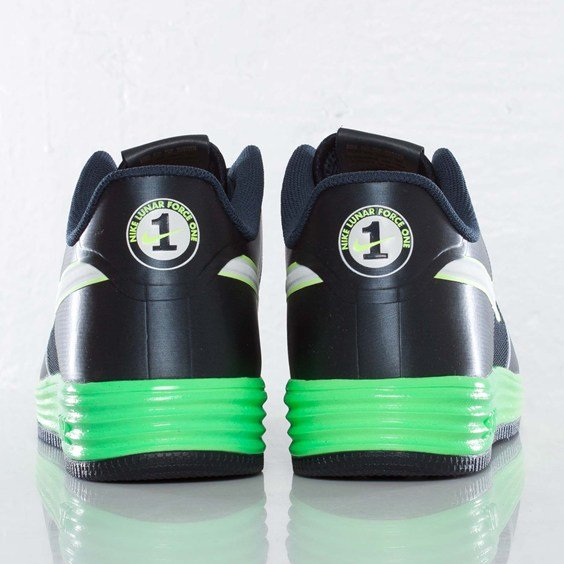 nike-lunar-force-1-fuse-nrg-obsidian-metallic-summit-white-volt-4