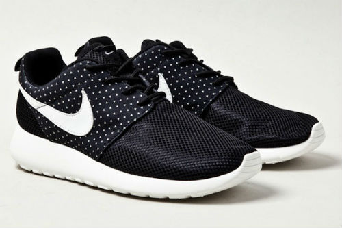 nike-roshe-run-night-snow-2