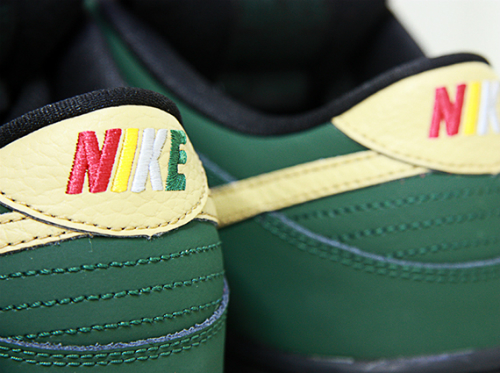 nike-sb-dunk-low-black-history-month-2013-5