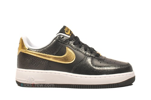 nike-wmns-air-force-1-low-black-metallic-gold-1