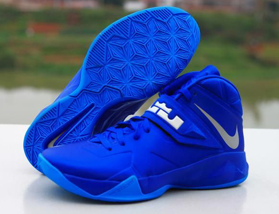 nike-zoom-lebron-soldier-vii-7-game-royal-1