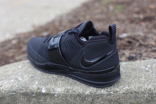 nike-zoom-revis-black-black-anthracite-3