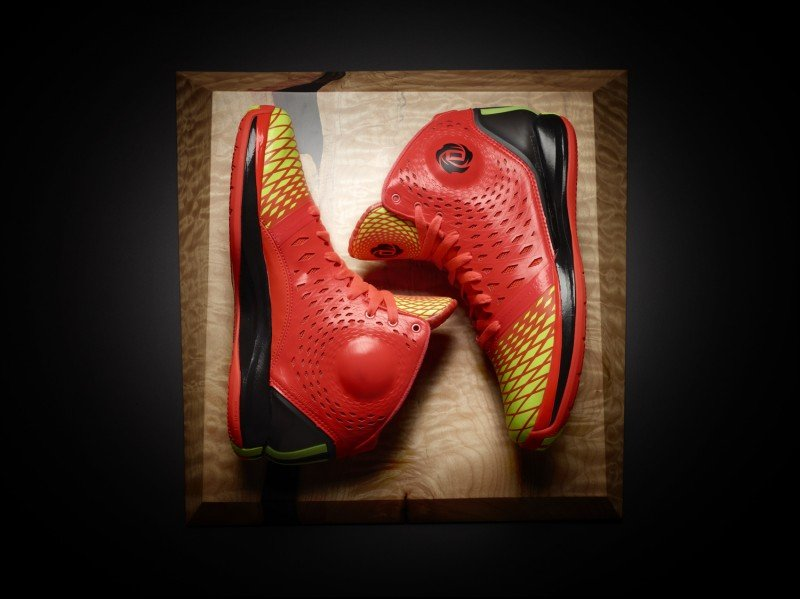 adidas-rose-3.5-the-spark-now-available-5