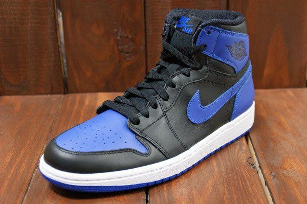 air-jordan-1-black-varsity-royal-new-images-3
