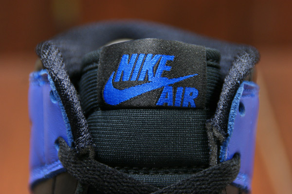 air-jordan-1-black-varsity-royal-new-images-8